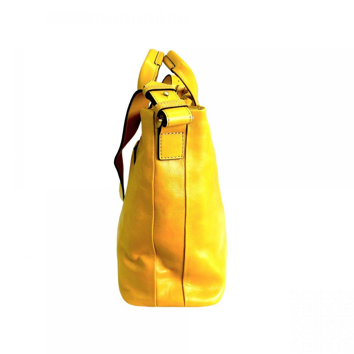 corteo centro giallo | caedekyoto