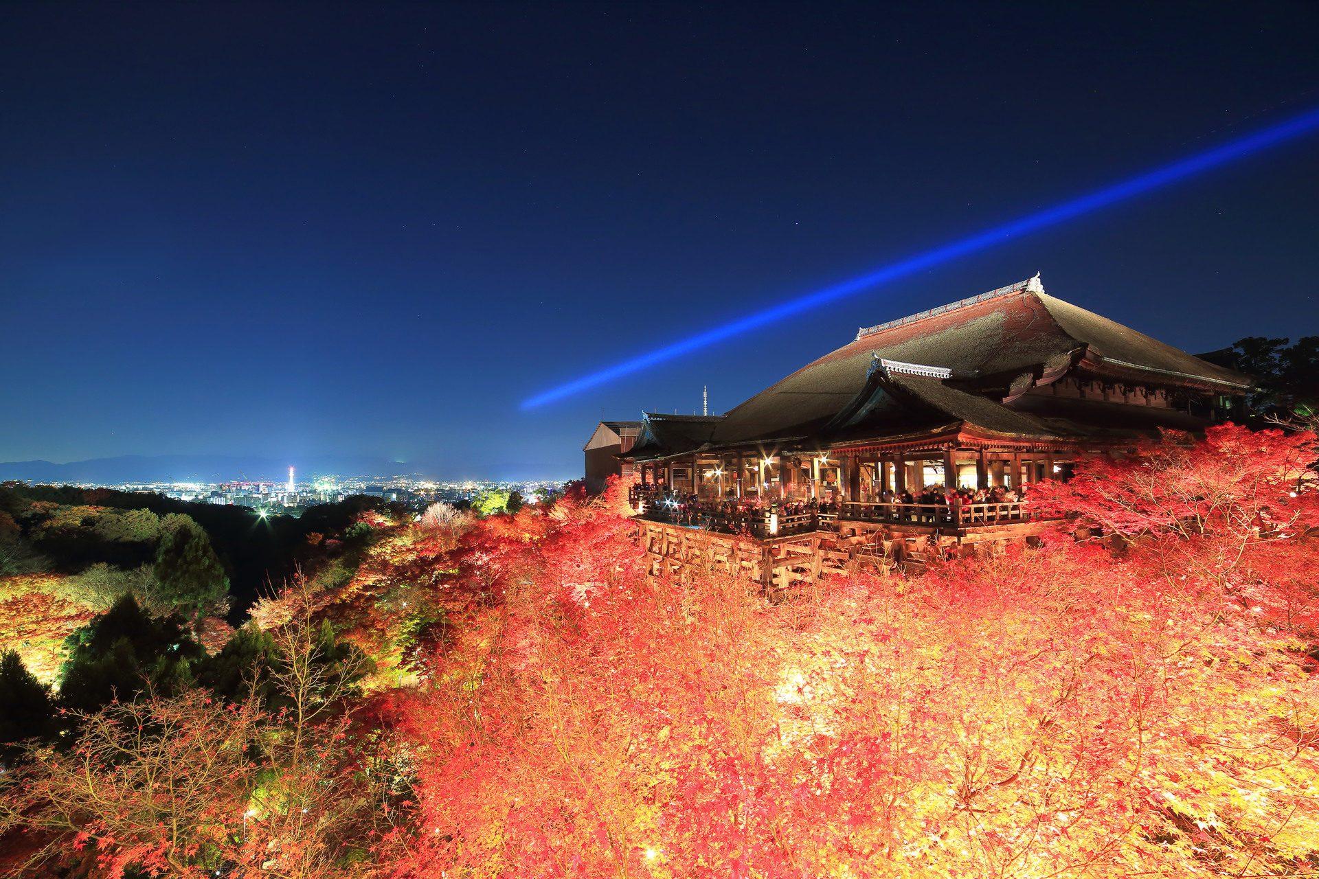 秋の夜の清水寺