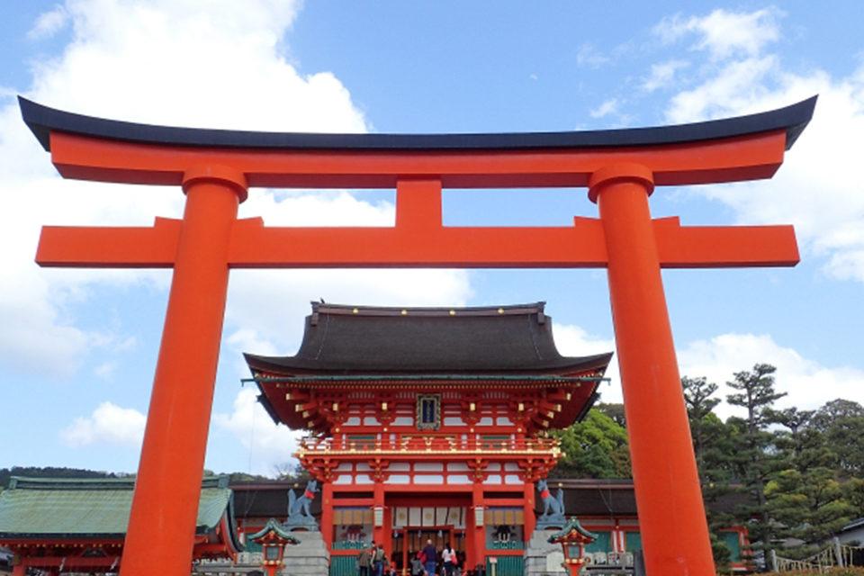 京都・伏見稻荷大社的神秘楓葉